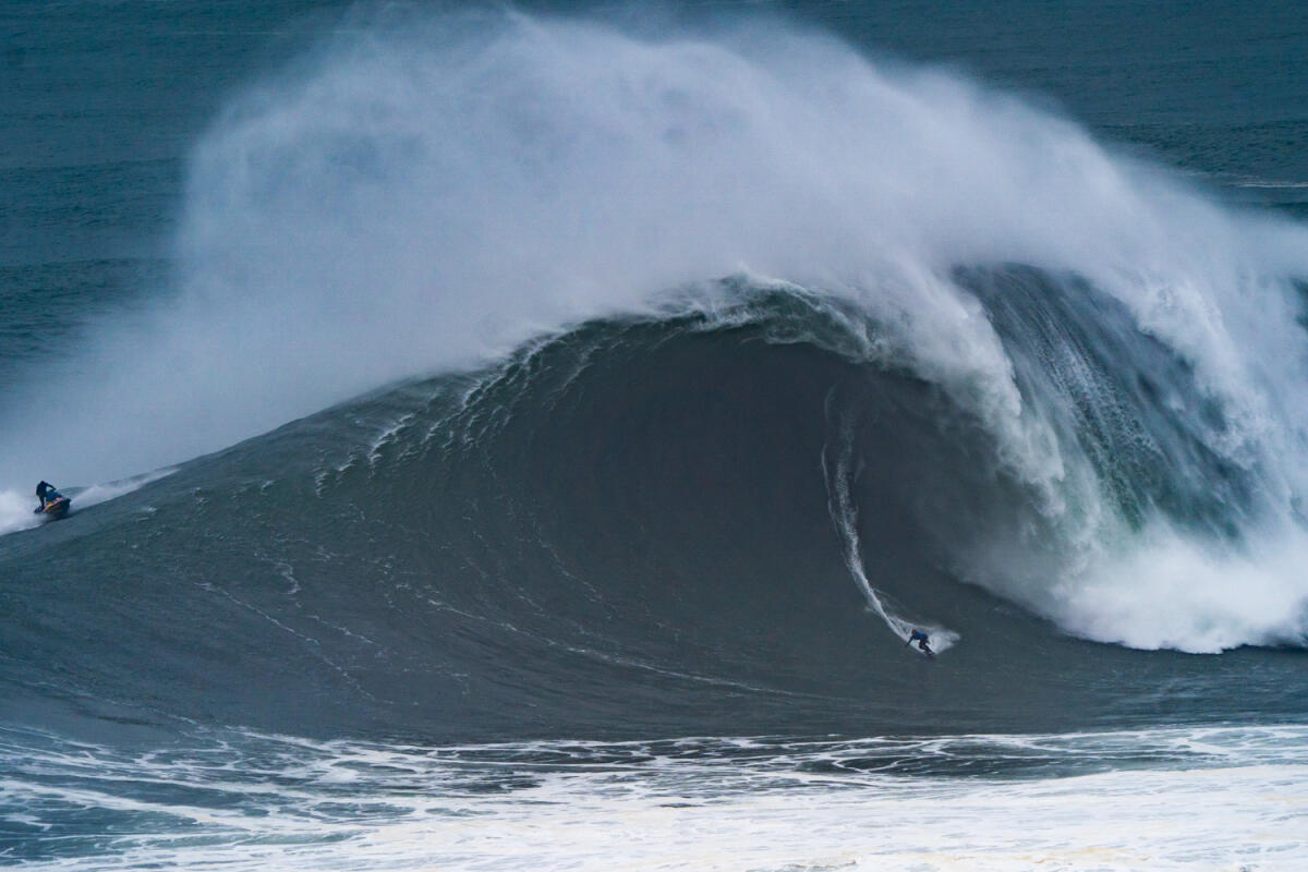 2020 XXL Biggest Wave Entry: Kai Lenny at Nazaré 4