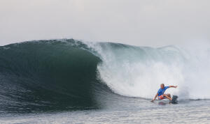 Nat Young (USA), 22, ASP WCT Rookie, continued to impress in Bali, threading excellent barrels and igniting deadly backhand turns at Keramas en route to a Semifinals finish. The Santa Cruz native was on the way to his second Final appearance of the season, but was stopped short by a rampaging Michel Bourez, finishing equal 3rd overall. ASP/Kirstin