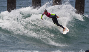 Sally Fitzgibbons (AUS) winning her round one heat.