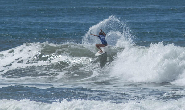 Brianna Cope (HAW) winning her Quarterfinal heat at the Essential Costa Rica Open Pro QS3,000