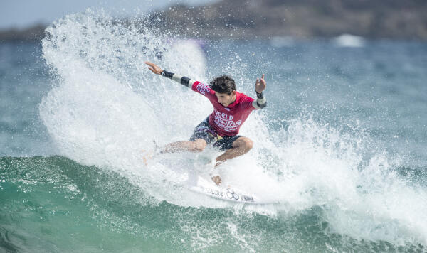 Harley Ross-Webster winning Heat 5 of Round Three at the World Junior Championship.