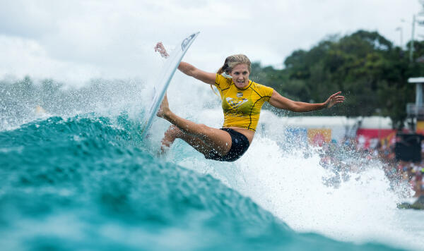 Stephanie Gilmore placing second in the Roxy Pro final.