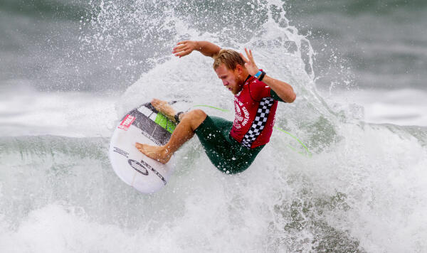 Adam Melling (AUS) at the 2015 Vans US Open of Surfing.