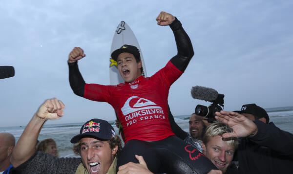 Keanu Asing winning the Quiksilver Pro France.