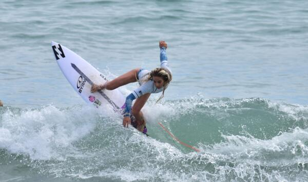 Samantha Sibley (USA) earning runner-up in her Semifinal heat at the Ron Jon Vans Pro Junior.