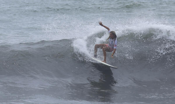Camillia Summers (CRI) won the Essential Costa Rica Open and earned her place into the women's QS3,000 event October 5 - 9.