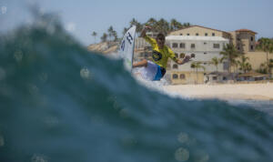Eithan Osborne (USA) continued finding Zippers gems - earning a 7.83 in his Round 2 win. WSL/ Erik Eiser