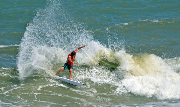 Defending Vans Pro Champion Michael Dunphy looks to find that winning form again on his home turf. Image: WSL / Ferguson