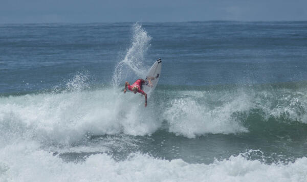 Ethan Ewing (AUS) winning his Quarterfinal heat at the Essential Costa Rica Open Pro QS3,000