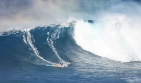The world's best (and only?) big-wave skimboarder takes his slice of foam to Pe'ahi.